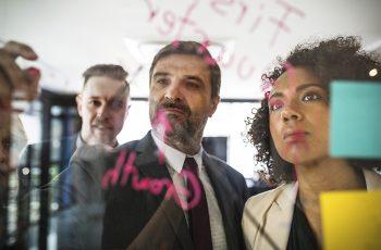 Organização do escritório: Como delegar tarefas e performar mais na advocacia